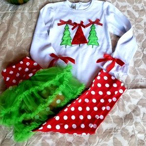 Other - Adorable girls Xmas outfit, girls small $15